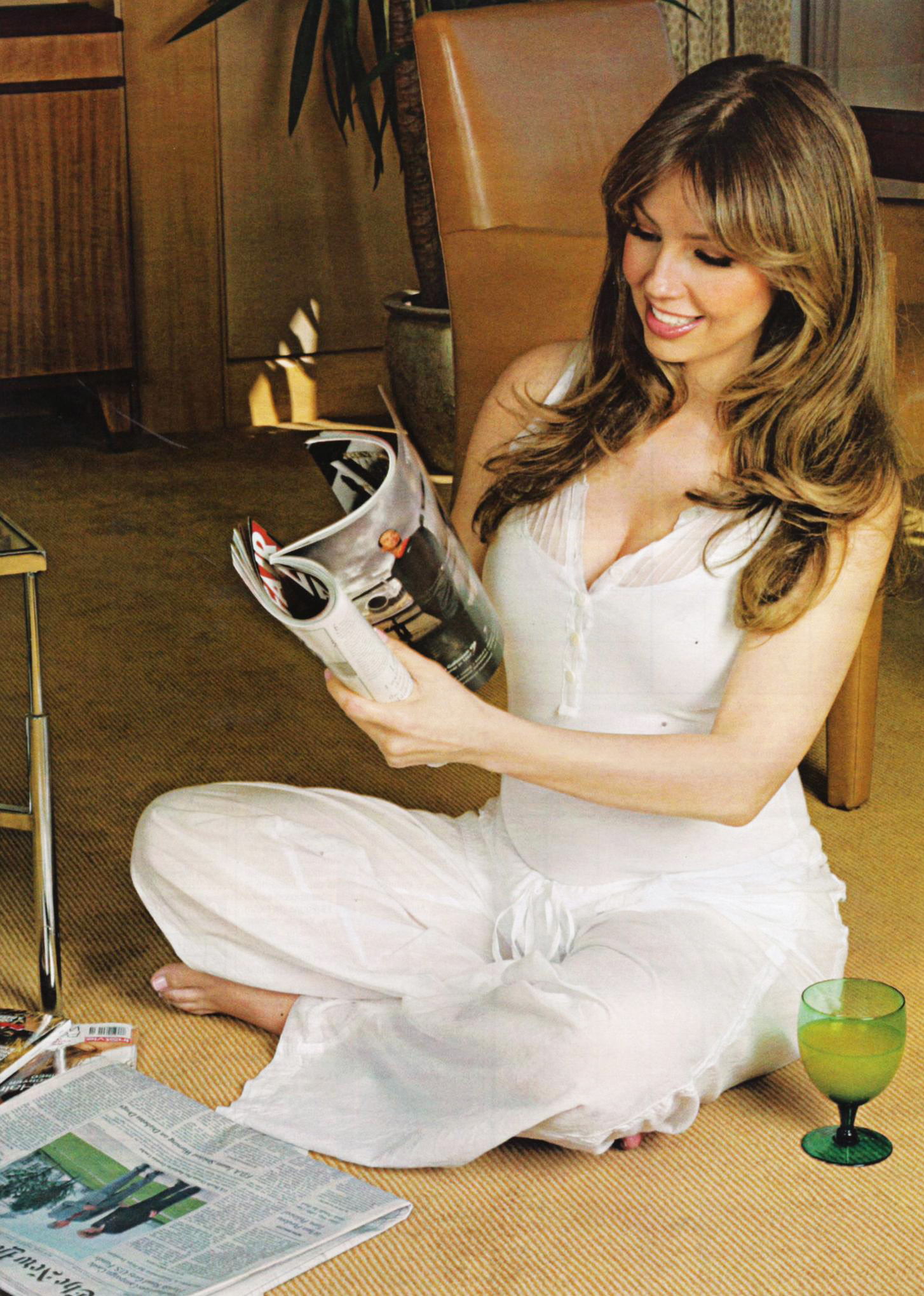 The Celebrity Report Thalia Very Pregnant And Solidarity