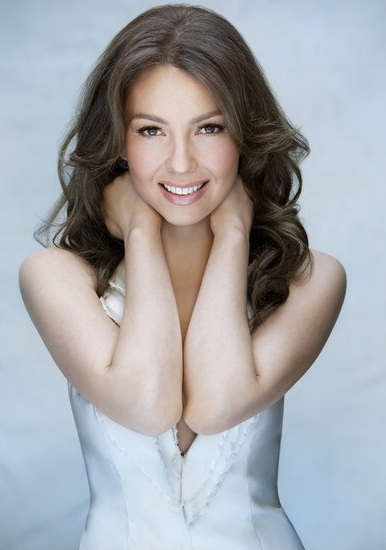 thalia_people_en_espanol_2010_mas_bellos_2