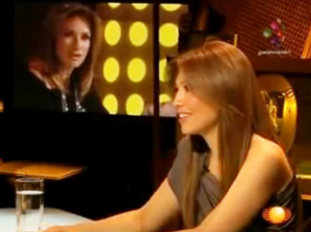 thalia_llega_a_mexico_abril_22_2010_entrevista_adela_micha_1