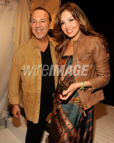 thalia_tommy_hilfiger_presents_2013_womens_collection_chelsea_new_york_septiembre_9_2012_8_tommy_mottola