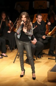 thalia_mi_musica_mi_herencia_pampers_evento_presentacion_miami_octubre_2012_5