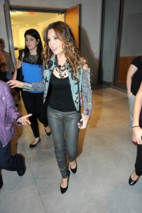 thalia_mi_musica_mi_herencia_pampers_evento_presentacion_miami_octubre_2012_9