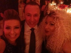 tommy_mottola_with_wife_thalia_mottola_2013_costume_benefit__institute_MET_gala_punk_chaos_to_couture_mayo_6_2013_13_nikki_minaj